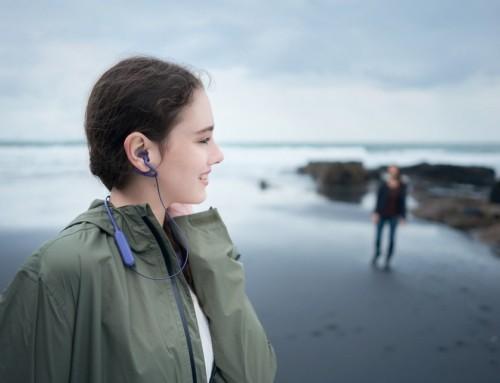 Sony Mobile 開放式藍牙耳機 SBH82D 在台推出,感受不被隔離的人與環境互動