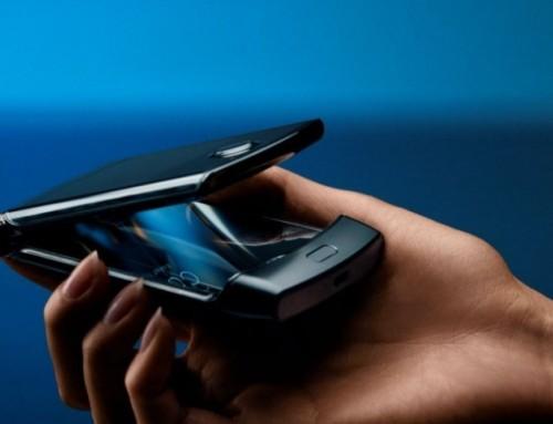Motorola全新RAZR螢幕可凹折手機採直向凹折 希望喚醒懷舊使用回憶