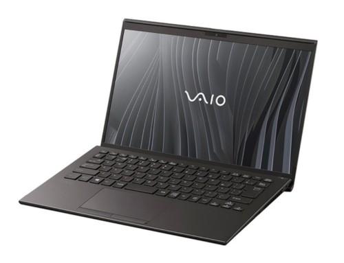 新款 VAIO Z 全機採碳纖維材質打造 可承受127公分垂直距離掉落衝擊 售價約台幣 73,000 元起跳